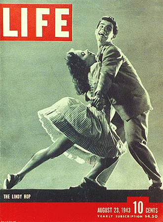 1943 AUGUST 23 LIFE MAGAZINE - LINDY HOPPERS - L 353