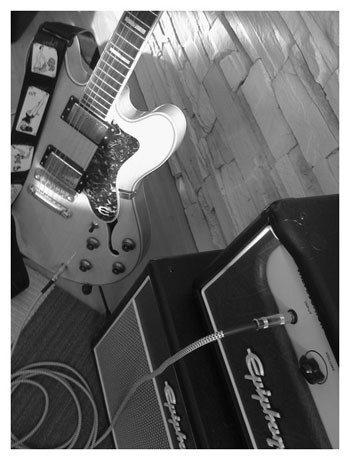 Electric Guitar-iPhone App Camera Bag Photo