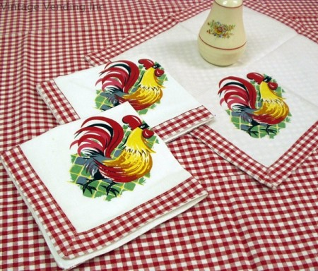 Rooster Gingham Table Linens