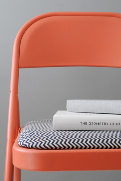 Design For Mankind Offers Up A Great Tutorial On Refinishing Old Metal Folding  Chairs. This One Is Painted In A Dreamy Retro Tangerine.