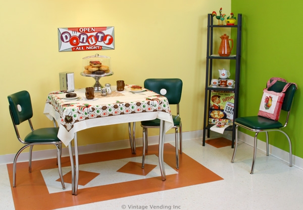 Retro 1950s Eat-In Kitchen