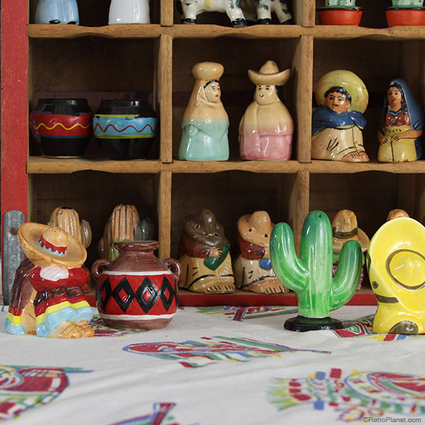 Ceramic and Pottery Mexican Shakers