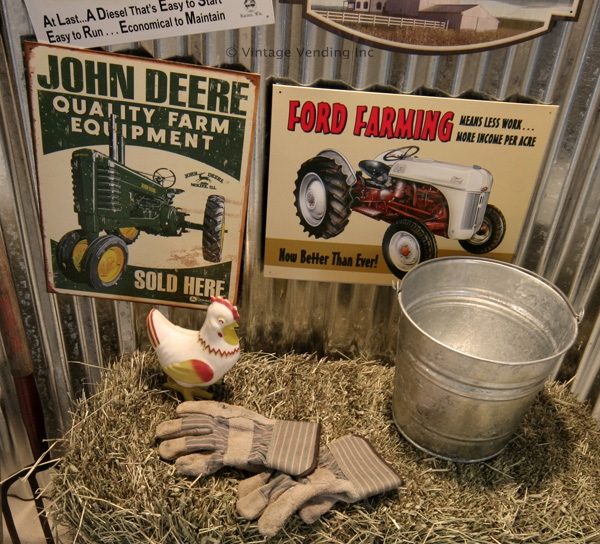 Tractor Signs and Decor
