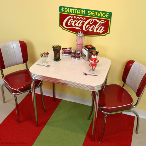 This Dinette Set Would Be Great In Your Kitchen And Would Work In A