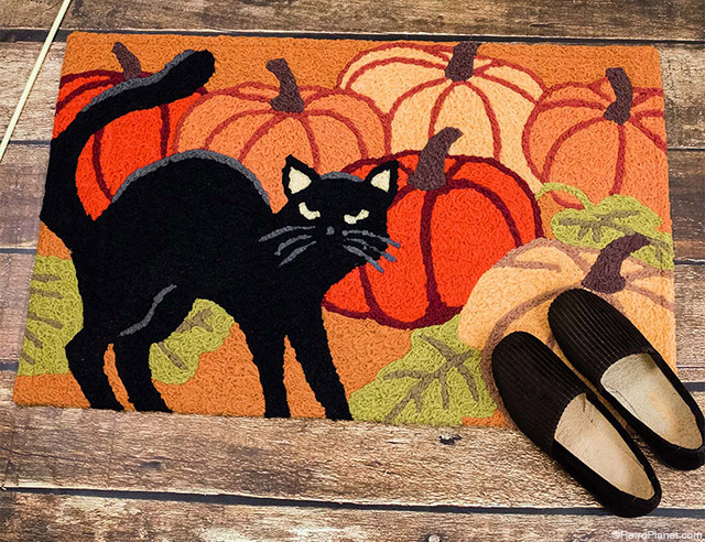 Black Cat Halloween Rug
