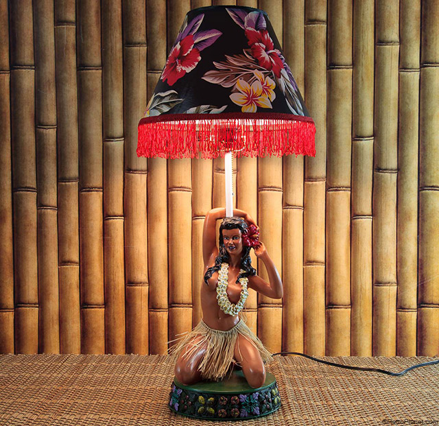 Posing Hula Girl Lamp