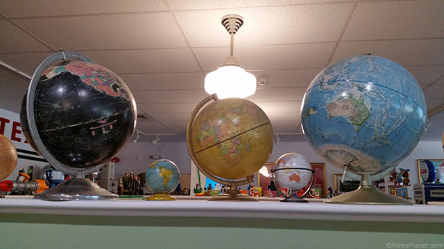 Retro Planet Globe Collection