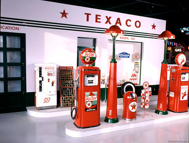 Find A Gas Station >> Vintage 1950s Texaco Gas Station Display