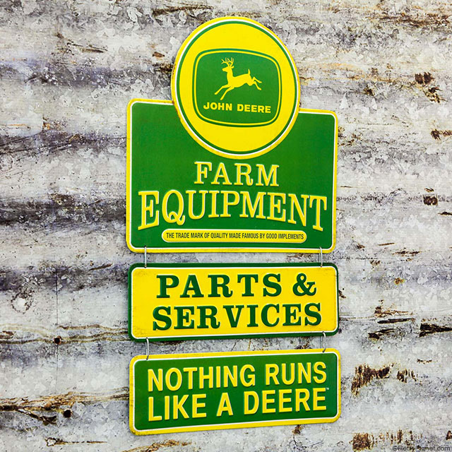 Deere 3 Tiered Sign